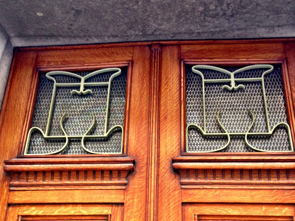 art nouveau brussels walking tour