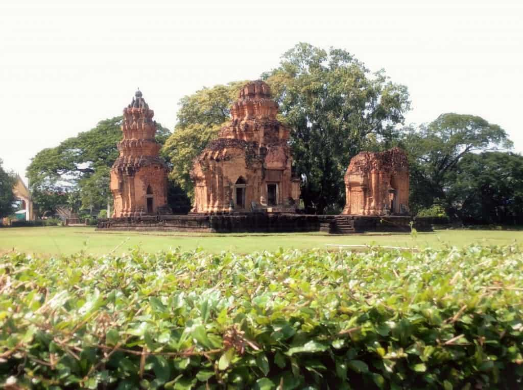 prasat sihoraphum isaan the heart of thailand