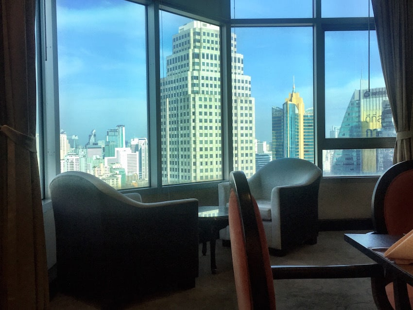 Windsor Suites Executive Lounge view