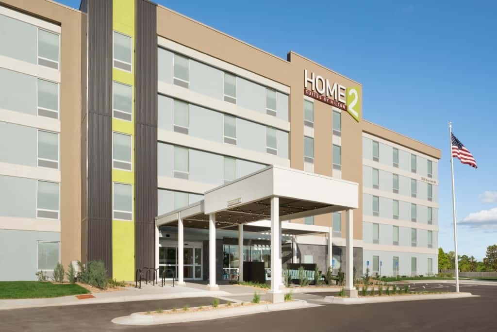 Home2 suites by hilton roseville minneapolis passing thru for Home two suites