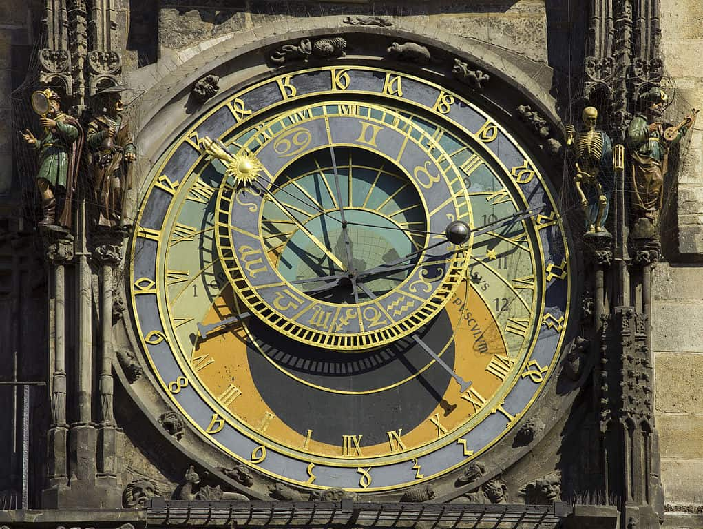 Astronomical Clock: Things to do in Prague, what not to miss for first timers traveling to Prague, #travel #travelblogger #Prague #Europe #CzechRepublic #Czechia
