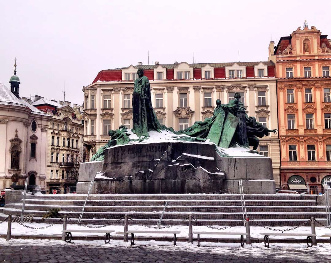 Jan Hus Memorial in Old Town Square: Things to do in Prague, what not to miss for first timers traveling to Prague, #travel #travelblogger #Prague #Europe #CzechRepublic #Czechia