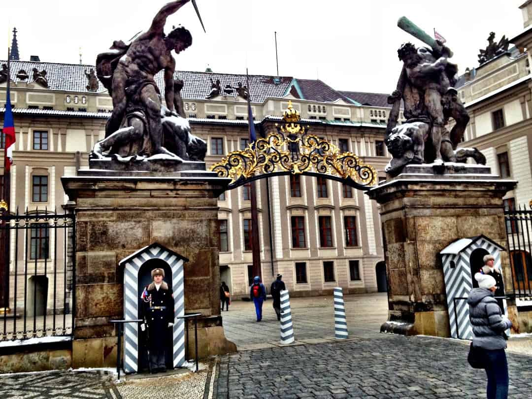 Prague Castle Things to do in Prague, what not to miss for first timers traveling to Prague, #travel #travelblogger #Prague #Europe #CzechRepublic #Czechia