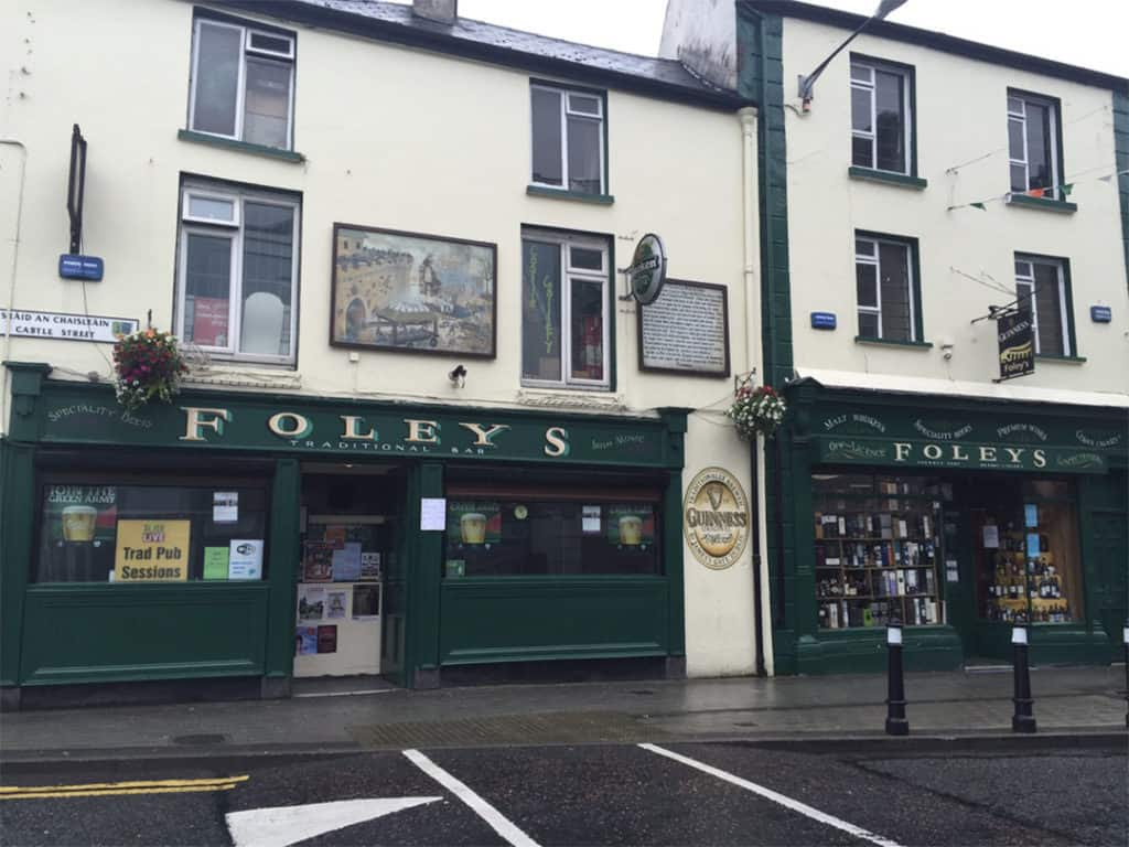 restaurants in sligo ireland: Foley's Pub
