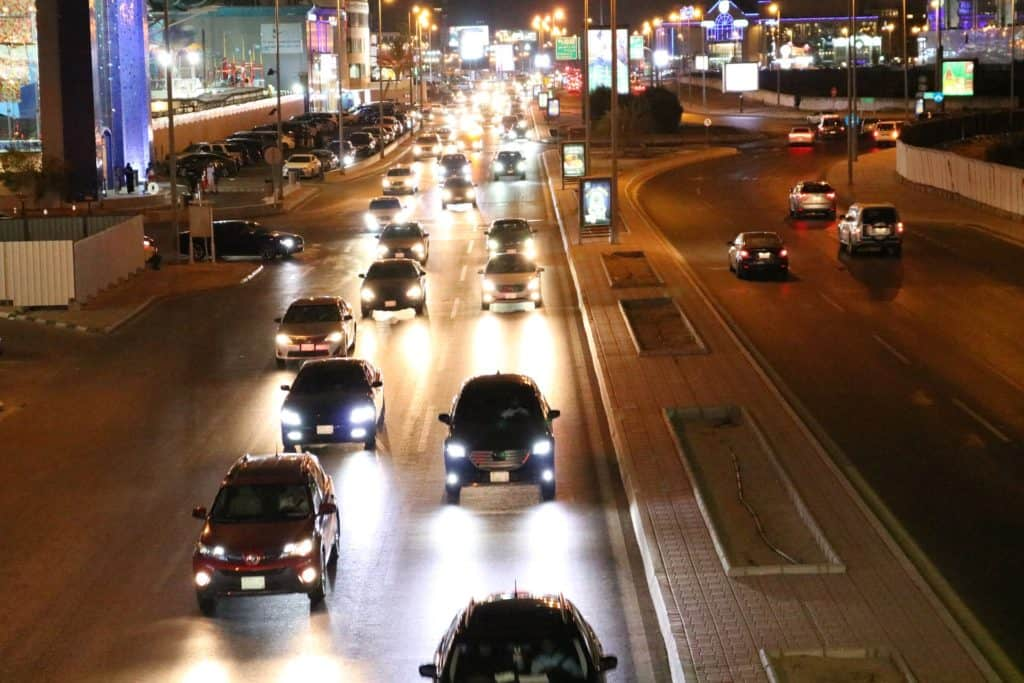 ryadh saudi arabia traffic at night