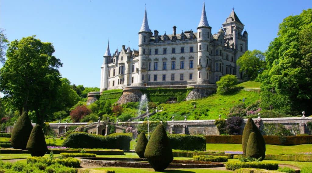 dunrobin castle scotland